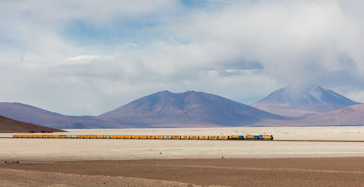 ferrocarril_en_el_salar_de_ascotan_chile_2016-02-09_dd_46