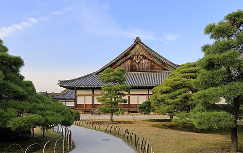 500px-Ninomaru_Palace,_November_2016